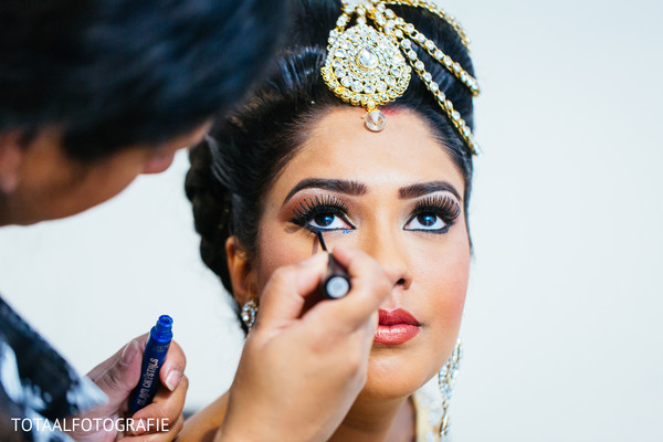 bride getting ready,Indian bride getting ready,getting ready images,getting ready photography,getting ready,makeup,hair and makeup