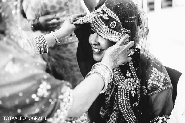 Getting ready in Utrecht, Netherlands Indian Wedding by TOTAALFOTOGRAFIE