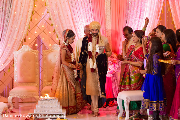 traditional Indian wedding,Indian wedding traditions,Indian wedding traditions and customs,traditional Hindu wedding,Indian wedding tradition,traditional Indian ceremony,traditional Hindu ceremony,Hindu wedding ceremonytraditional Indian wedding,Indian wedding