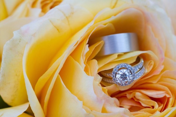 Bridal fashions rings,Indian bride and groom rings,wedding rings,Indian wedding rings,diamond wedding ring,diamond wedding rings,engagement rings,engagement ring,Indian engagement ring,Indian engagement rings,Indian wedding jewelry,Indian wedding ring,wedding jewelry
