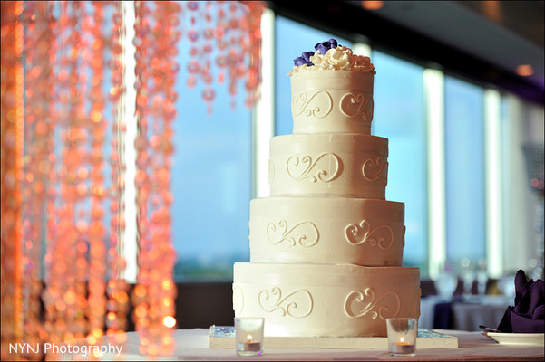 Wedding cake in Mahwah, NJ Indian Wedding by NYNJ Photography