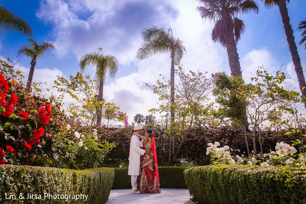 Indian bride and groom,Indian wedding reception photos,Indian wedding portraits,portraits of Indian wedding,portraits of Indian bride and groom,Indian wedding portrait ideas,Indian wedding photography,Indian wedding photos,photos of bride and groom,Indian bride and groom photography