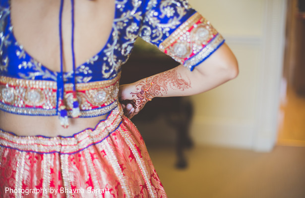 Getting Ready in Hertfordshire, UK Indian Wedding by Photographs by Bhavna Barratt