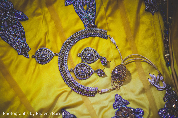 Bridal Jewelry in Hertfordshire, UK Indian Wedding by Photographs by Bhavna Barratt