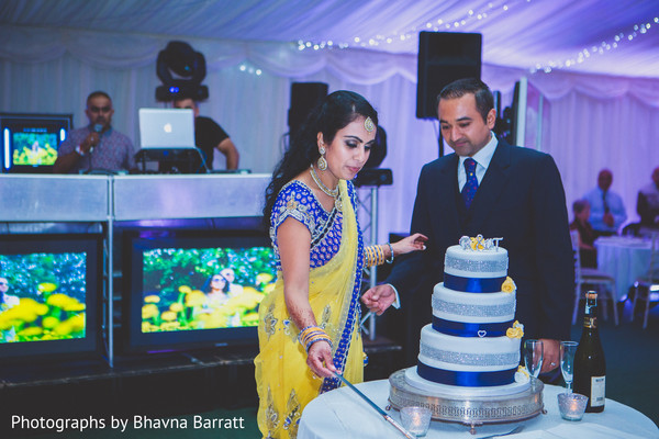 Reception in Hertfordshire, UK Indian Wedding by Photographs by Bhavna Barratt