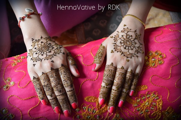 Mehndi maharani finalist: Hennavative in Mehndi Maharani 2014 Finalist: Hennavative
