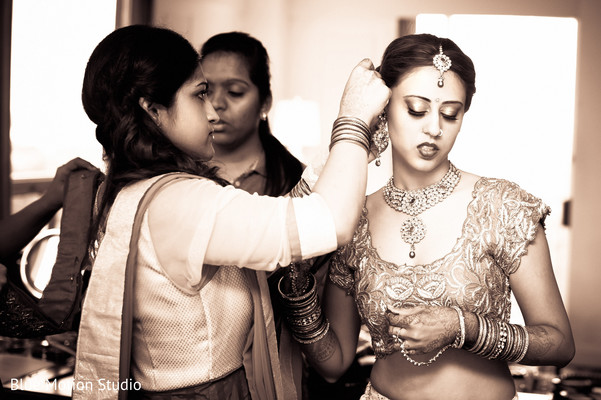 Getting Ready in Savannah, GA Indian Wedding by Blue Motion Studio