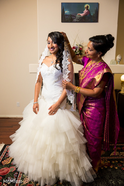 indian bride getting ready,indian wedding gowns