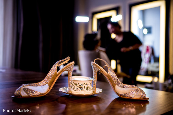 Getting ready in Long Island, NY Indian Wedding by PhotosMadeEz