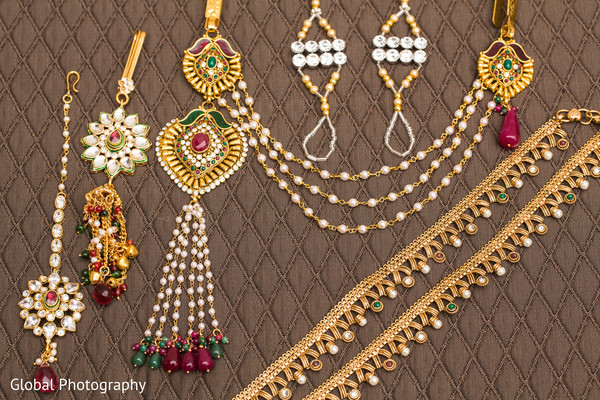 indian bride getting ready,gold indian wedding jewelry,indian wedding necklace