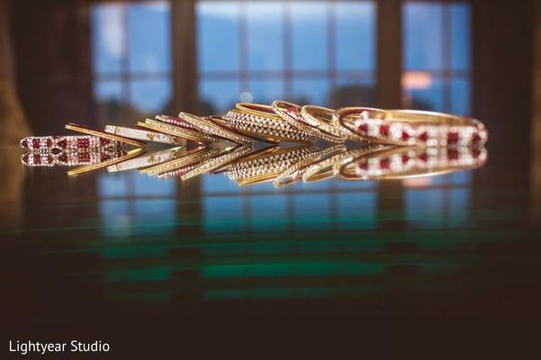 Indian wedding bangles,bangles,wedding bangles,bridal bangles,bangles for Indian bride,Indian bridal bangles,churis,churi,bridal churis,bridal churi