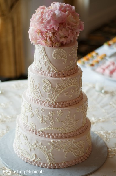 indian wedding reception floral and decor,indian wedding floral and decor,indian wedding cakes