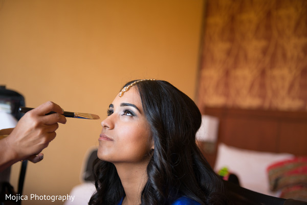 Getting ready in Kansas City, MO Sikh Wedding by Mojica Photography