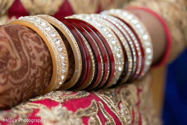 Indian wedding bangles,bangles,wedding bangles,bridal bangles,bangles for Indian bride,Indian bridal bangles,churis,churi,bridal churis,bridal churi