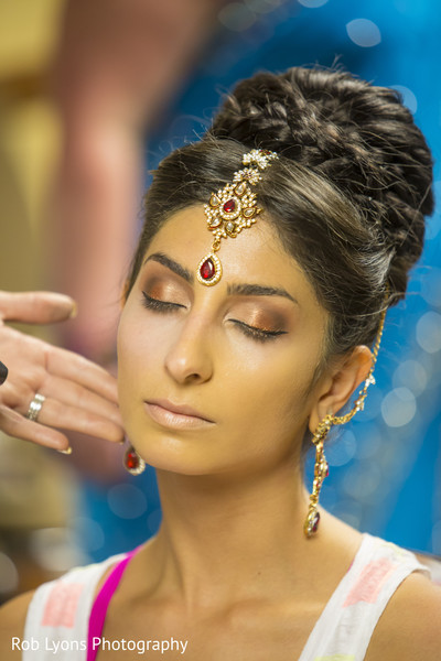 Getting Ready in Memphis, TN Indian Wedding by Rob Lyons Photography