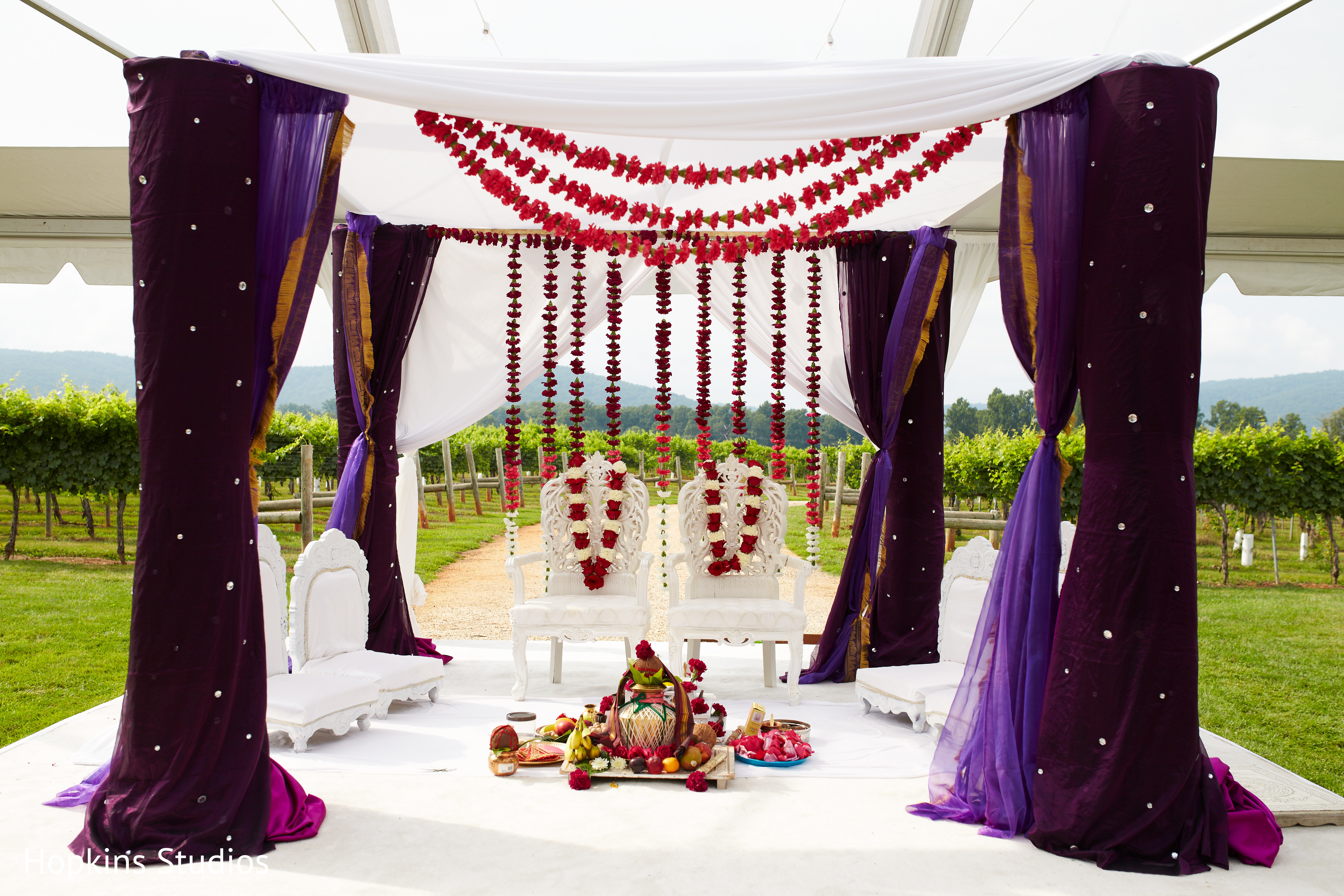 Fl Decor In Charlottesville Va Indian Fusion Wedding By Hopkins Studios Maharani Weddings