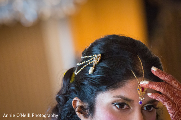 Getting Ready in Pittsburgh, PA Indian Fusion Wedding by Annie O'Neill Photography