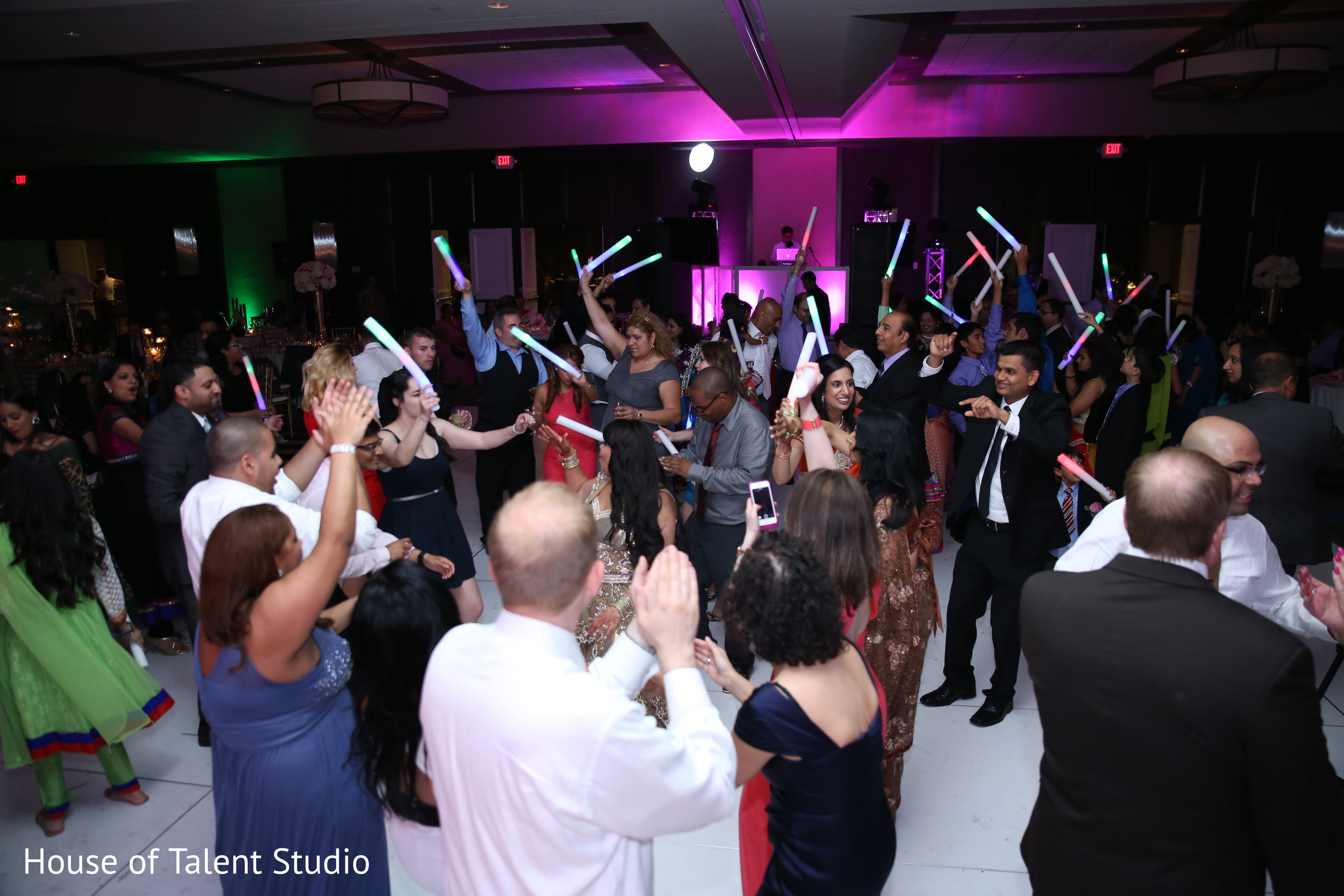 Reception in parsippany nj indian wedding by house of for Indian jewelry in schaumburg il