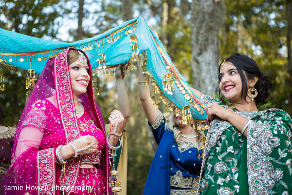 fusion wedding,fusion wedding ceremony,Indian fusion wedding ceremony,Indian fusion wedding,fusion ceremony,traditional Indian wedding,Indian wedding traditions,Indian wedding traditions and customs,traditional Hindu wedding,Indian wedding tradition,traditional Indian ceremony,traditional Hindu ceremony,Hindu wedding ceremony