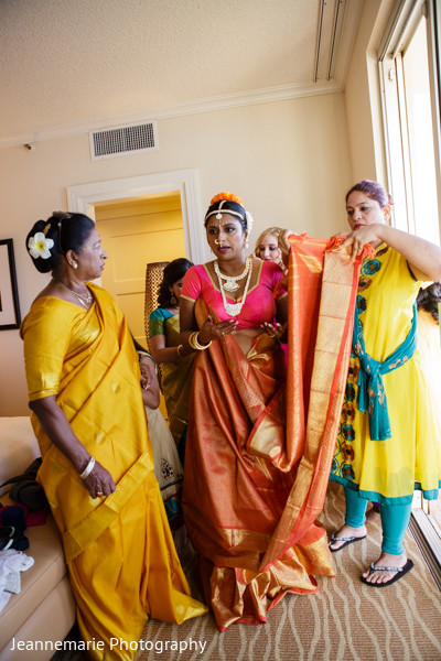 Getting Ready in Lihue, HI South Indian Fusion Wedding by Jeannemarie Photography