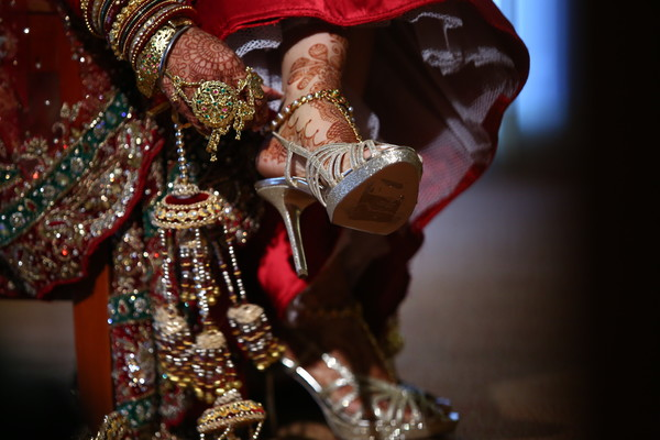 Getting Ready in Itasca, IL Indian Wedding by Aria Fine Art Films