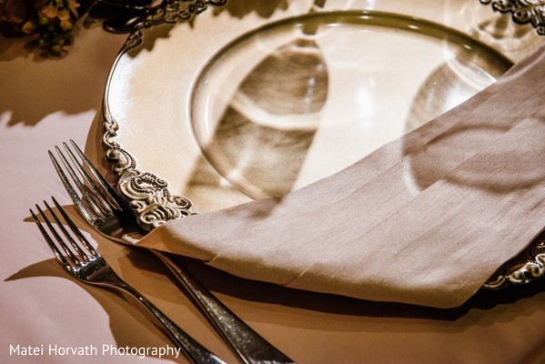 table-settings,plates
