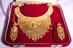 indian wedding necklace,indian weddings,gold indian wedding jewelry,indian bridal jewelry,indian wedding jewelry,bridal indian jewelry,indian wedding jewelry sets