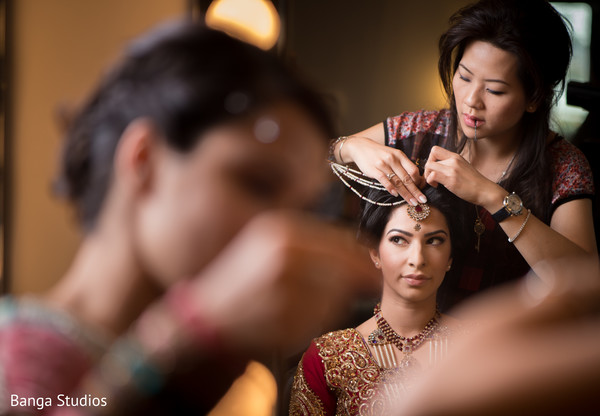Getting Ready in Ontario, Canada Pakistani Wedding by Banga Studios