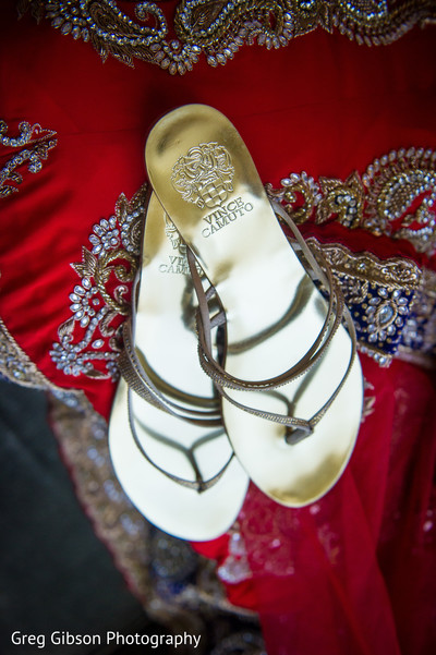 bridal accessories,Indian bridal accessories,Indian bride shoes,shoes for Indian brides,shoes for Indian bride,designer shoes for Indian brides,Indian bridal footwear,bridal footwear,shoes,bridal shoes,wedding shoes,designer shoes