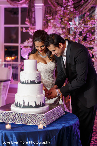 reception,cake-cutting