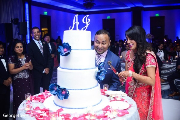 Reception Cake in Alexandria, VA Indian Wedding by Georgetown Pics
