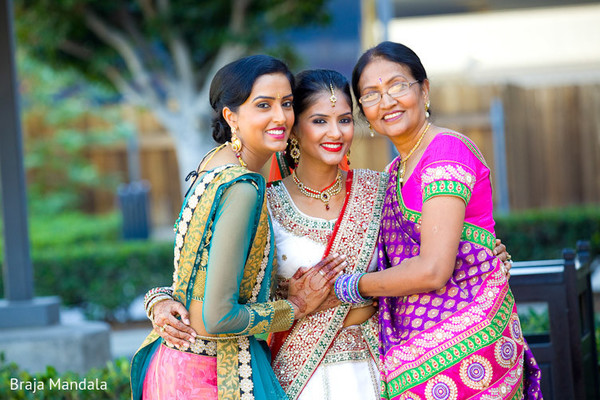 indian wedding portrait,portraits of indian wedding,indian bridal party