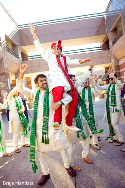 indian wedding baraat,indian groom baraat,indian groom