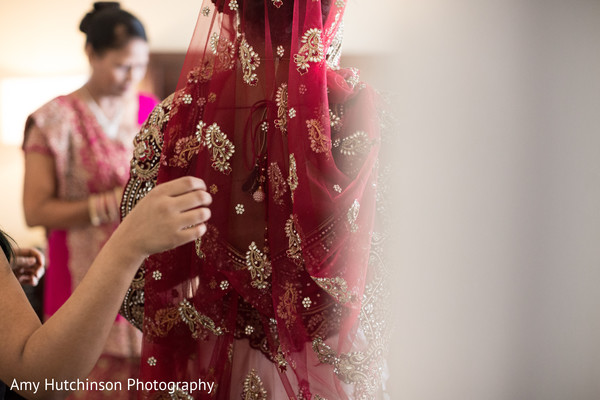 Getting Ready in Memphis, TN Indian Wedding by Amy Hutchinson Photography