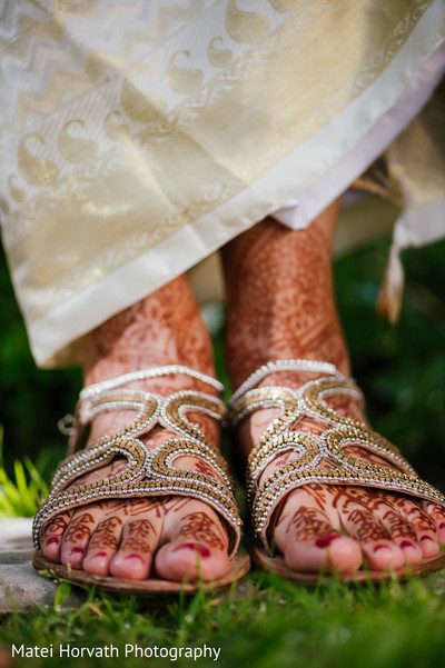 shoes,mehndi
