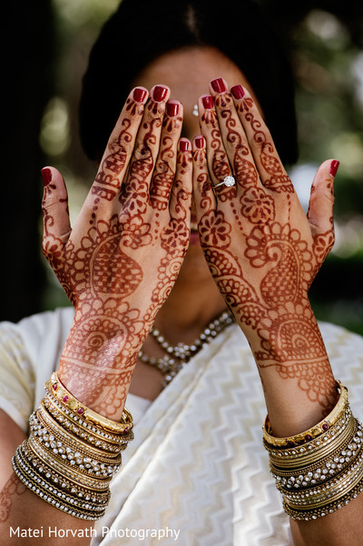 Getting Ready in Glendale, CA Hindu-Catholic Wedding by Matei Horvath Photography