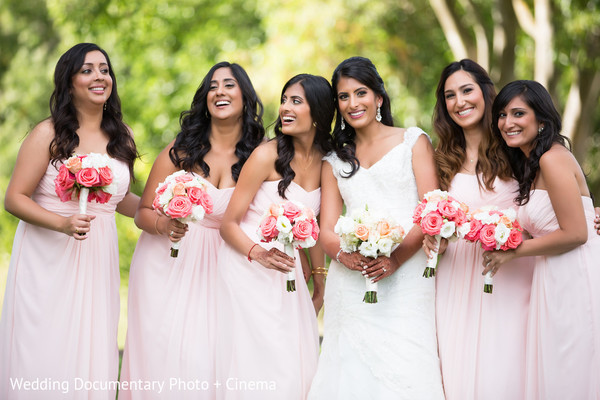 bridal party,Indian bridal party,Indian wedding party,wedding party,Indian bridal party portraits,wedding party portraits,Indian wedding party portraits
