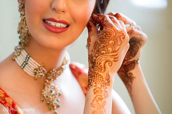 Getting Ready in Toronto, Canada Muslim Wedding by OS Photography