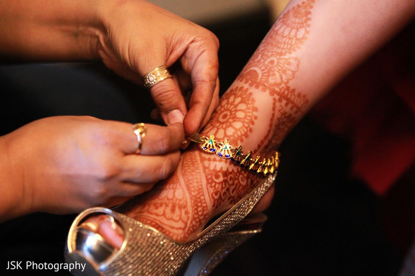 Getting Ready in Concord, CA Indian Wedding by JSK Photography