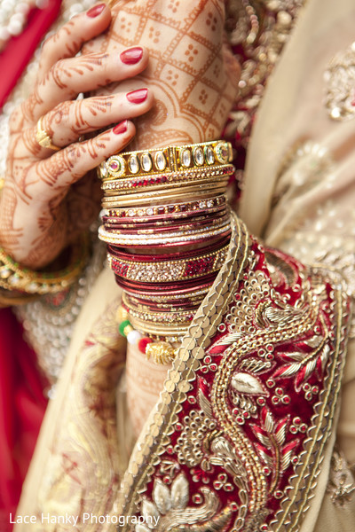 Bridal Mehndi and Jewelry in Bloomington, MN Indian Wedding by Lace Hanky Photography