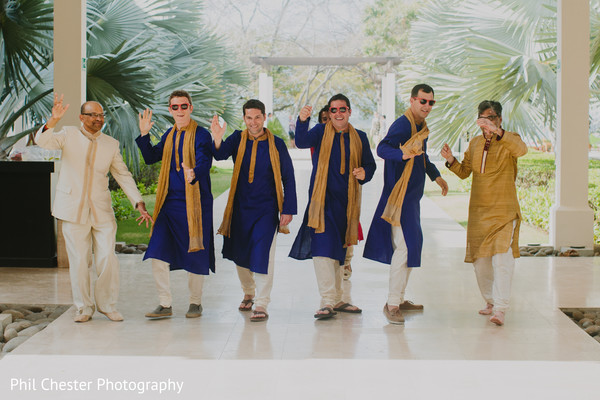 portaits,indian groomsmen,indian groom fashion,indian groom sherwani