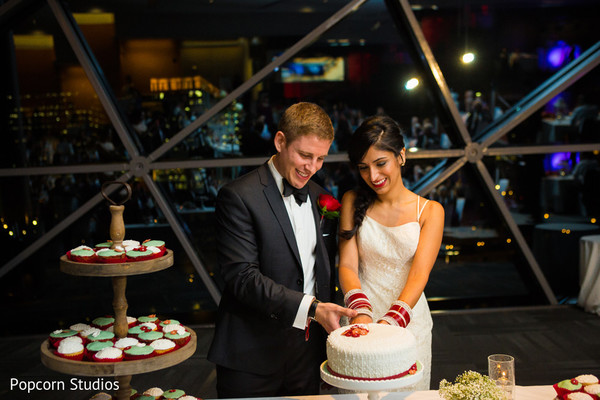 reception,cake-cutting,cakecutting
