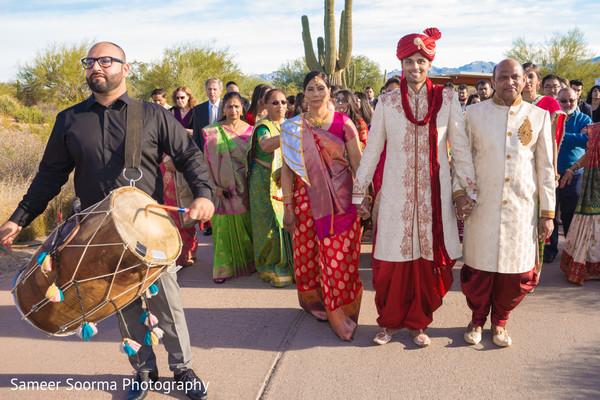 indian wedding baraat,indian groom baraat,indian groom,indian weddings