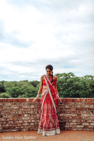 pre-wedding bridal outfit,pre-wedding bridal attire,pre-wedding outfit,pre-wedding bridal fashion,pre-wedding clothing,pre-wedding outfits for bride,Indian pre-wedding portraits,pre-wedding portraits,Indian pre-wedding fashion,Indian bride and groom,Indian wedding pre-wedding photos,Indian wedding portraits,portraits of Indian wedding,portraits of Indian bride and groom,Indian wedding portrait ideas,Indian wedding photography,Indian wedding photos,photos of bride and groom,Indian bride and groom photography