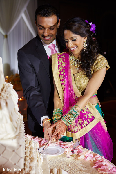 indian wedding reception,indian wedding cakes