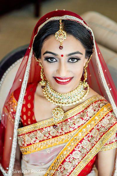 Getting Ready in Mahwah, NJ Indian Wedding by Ieva Sireikyte Photography