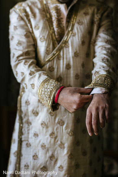 indian groom getting ready,indian bride getting ready,indian weddings,indian wedding clothes,indian groom,indian groom clothing,indian groom fashion,indian wedding fashions,indian groom sherwani