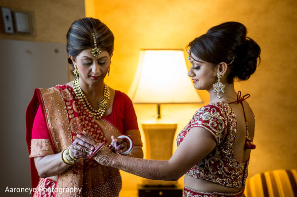 Getting Ready in Anaheim, CA Indian Wedding by Aaroneye Photography
