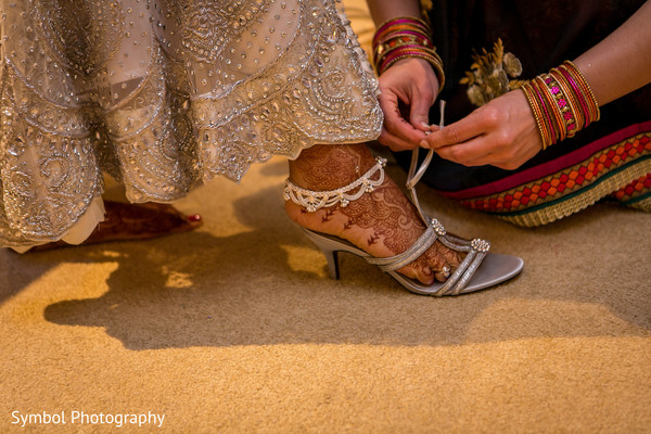 indian bride getting ready,indian wedding mehndi,indian weddings,indian wedding shoes