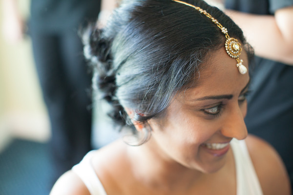 Getting Ready in Grand Cayman South Indian Destination Wedding by Daria Keenan Photography